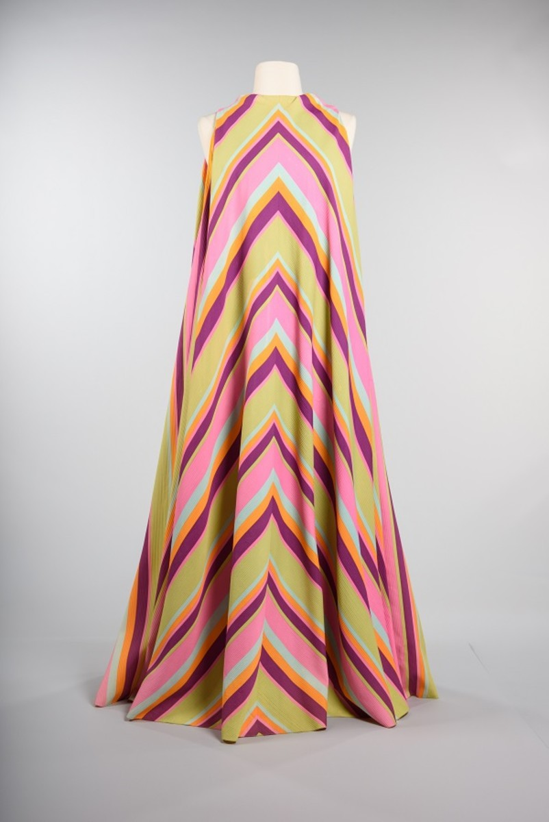 Hostess gown, 1971, John Doyle Bishop, retailer. Marilyn Domato Webb, owner, Gift of Marilyn Domoto Webb © MOHAI Collection.