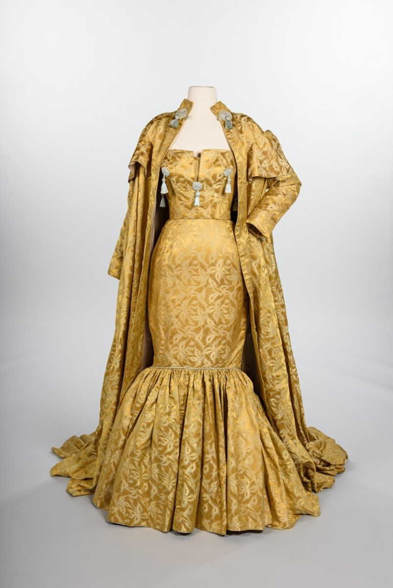 Evening gown and coat, 1959. Gift of Howard Blair © MOHAI Collection.